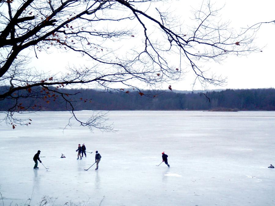 Best Outdoor Skating Spots in Hamilton