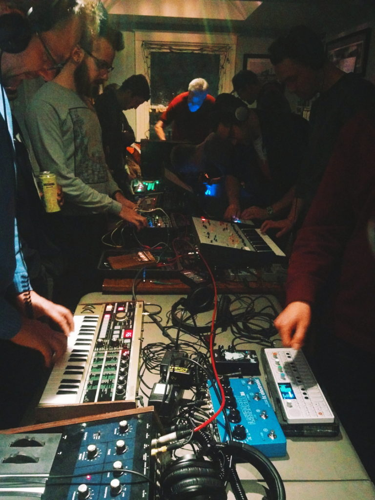 Synth Social - The Inlet