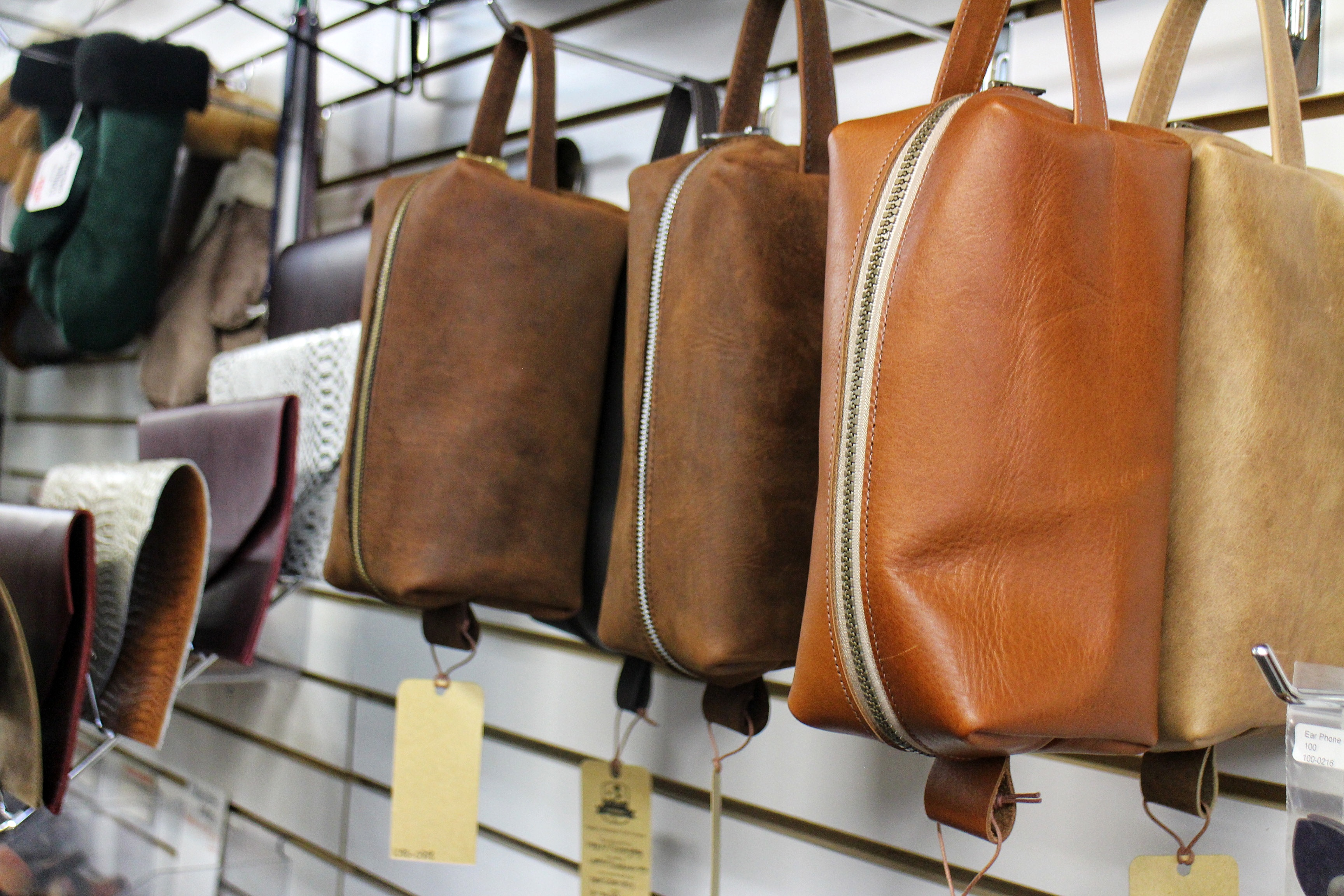 Tundra Leather Hamilton Ontario | The Inlet Online Photo 4